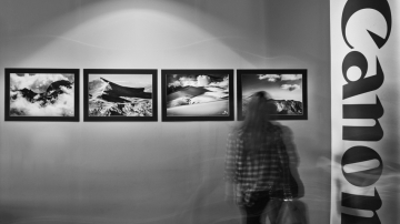 Photo exhibition: Glances on the mountain of Gods<br /><br />